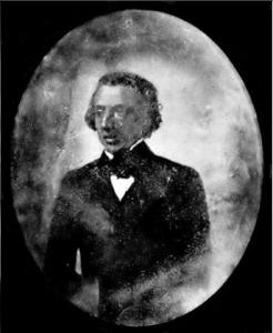 Foto tirada em 1846 ou 1847 em que, apesar do mau estado de conservação, é vivo o contraste com a outra fotografia existente de Chopin, que o mostra já muito doente no 1849 em que morreria.